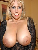 WifeysWorld :: This Gorgeous Woman Swallows! Busty Milf Plays In The Tub!